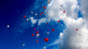 3840x2160 Wallpaper balloons, sky, clouds, hearts, love