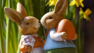 3840x2160 Wallpaper easter bunny, rabbits, flowers
