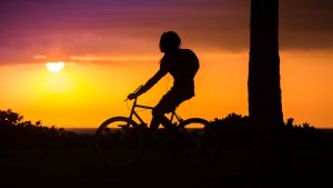 3840x2160 Wallpaper bicyclist, cyclist, silhouette, sunset, bicycle
