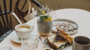 3840x2160 Wallpaper breakfast, coffee, toasts, table, dishes
