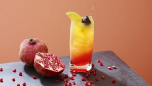 3840x2160 Wallpaper cocktail, ice, fruit, drink, glass