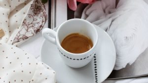 3840x2160 Wallpaper coffee, cup, flowers, cloth