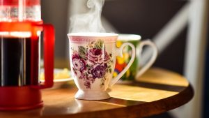 3840x2160 Wallpaper cup, drink, steam, table, kitchen