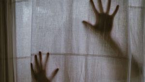 3840x2160 Wallpaper hands, silhouette, touch, curtain