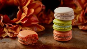 3840x2160 Wallpaper macarons, dessert, cakes, baked goods, colorful