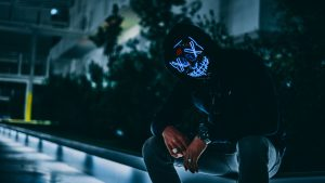 3840x2160 Wallpaper mask, hood, anonymous, glow, darkness, face