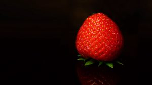 3840x2160 Wallpaper strawberry, berry, red, black background